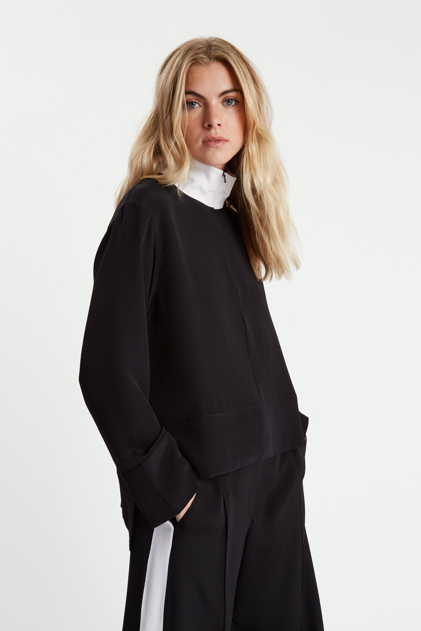 The Zip Front Shirt - Black & White Silk - SERENA BUTE