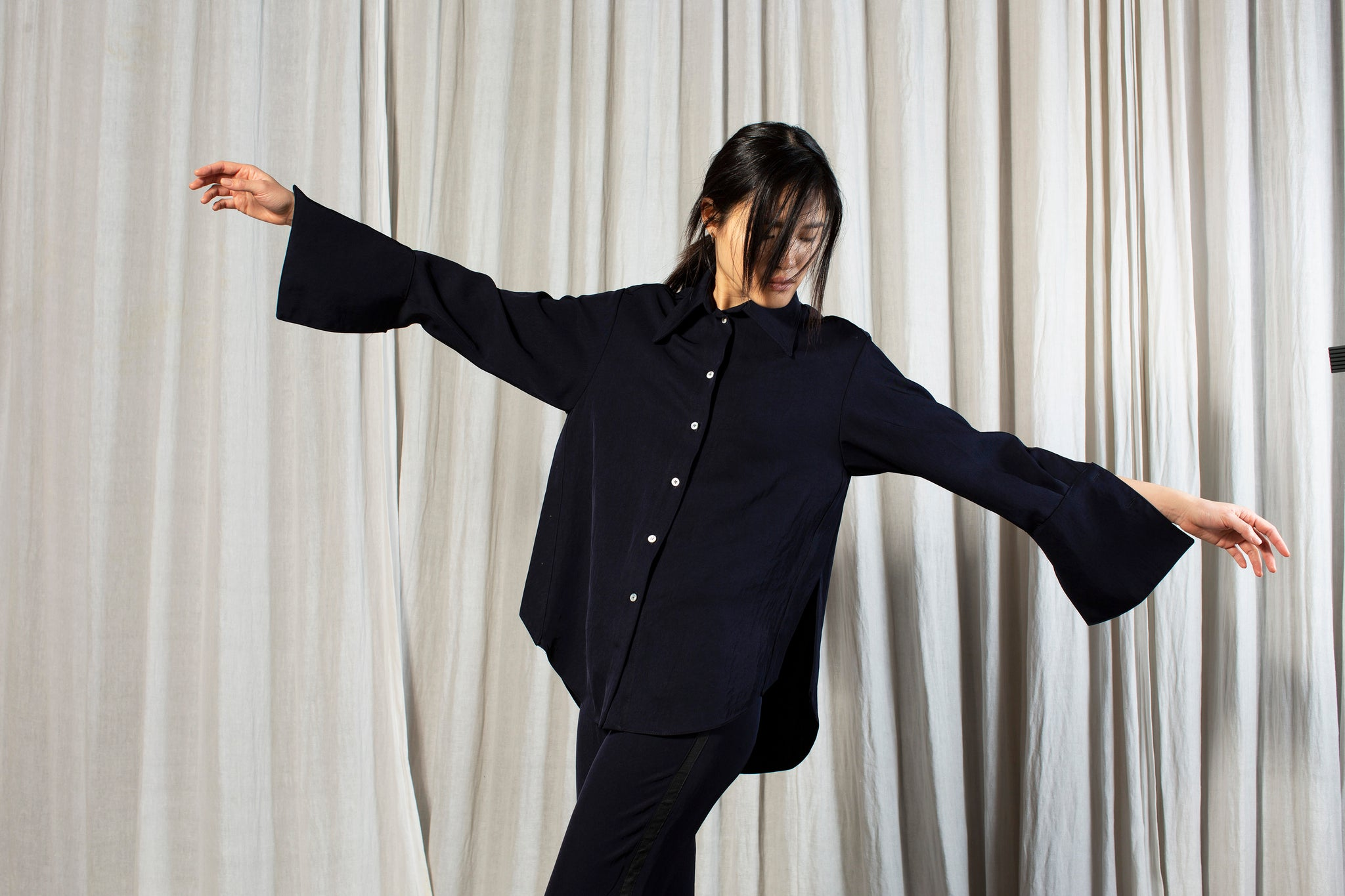 The Oversized Shirt - Navy Natural Fabric