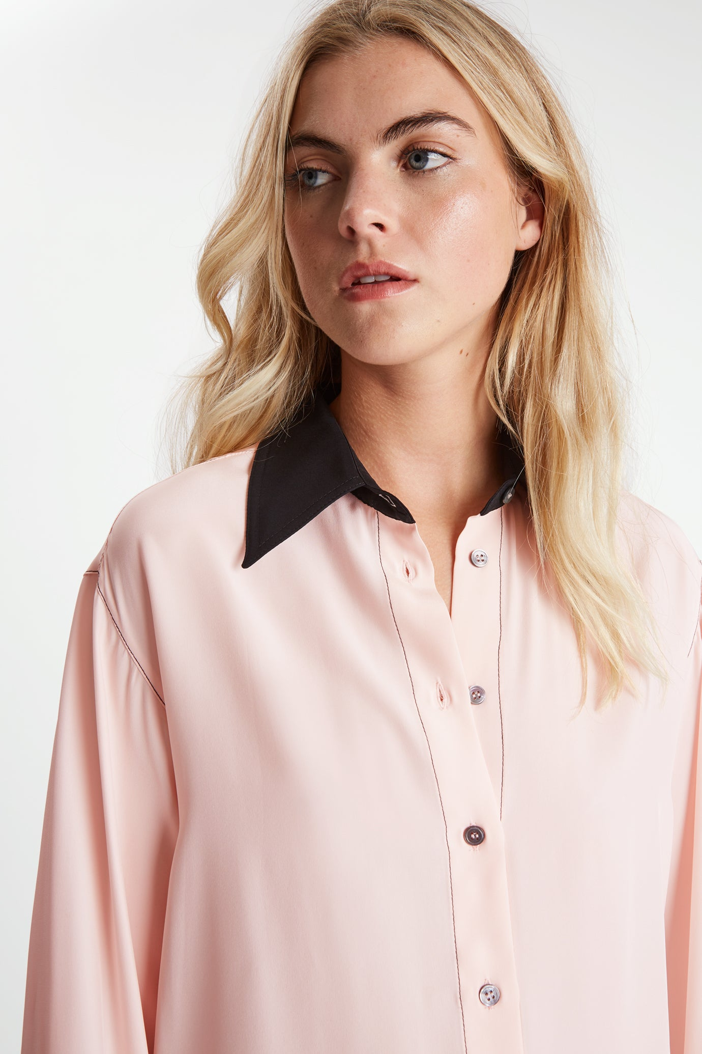 The Oversized Shirt - Pale Pink & Black - SERENA BUTE