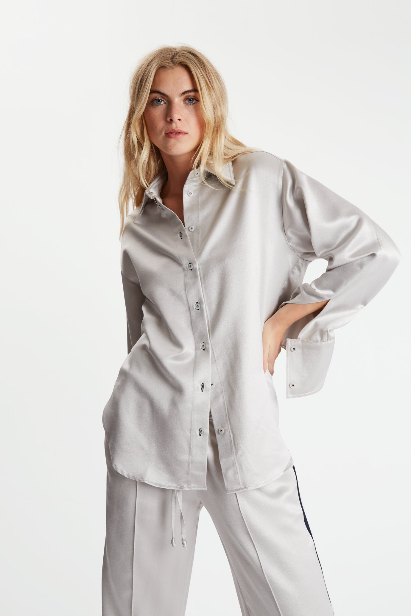The Oversized Shirt - Silver Bute Wool Silk - SERENA BUTE