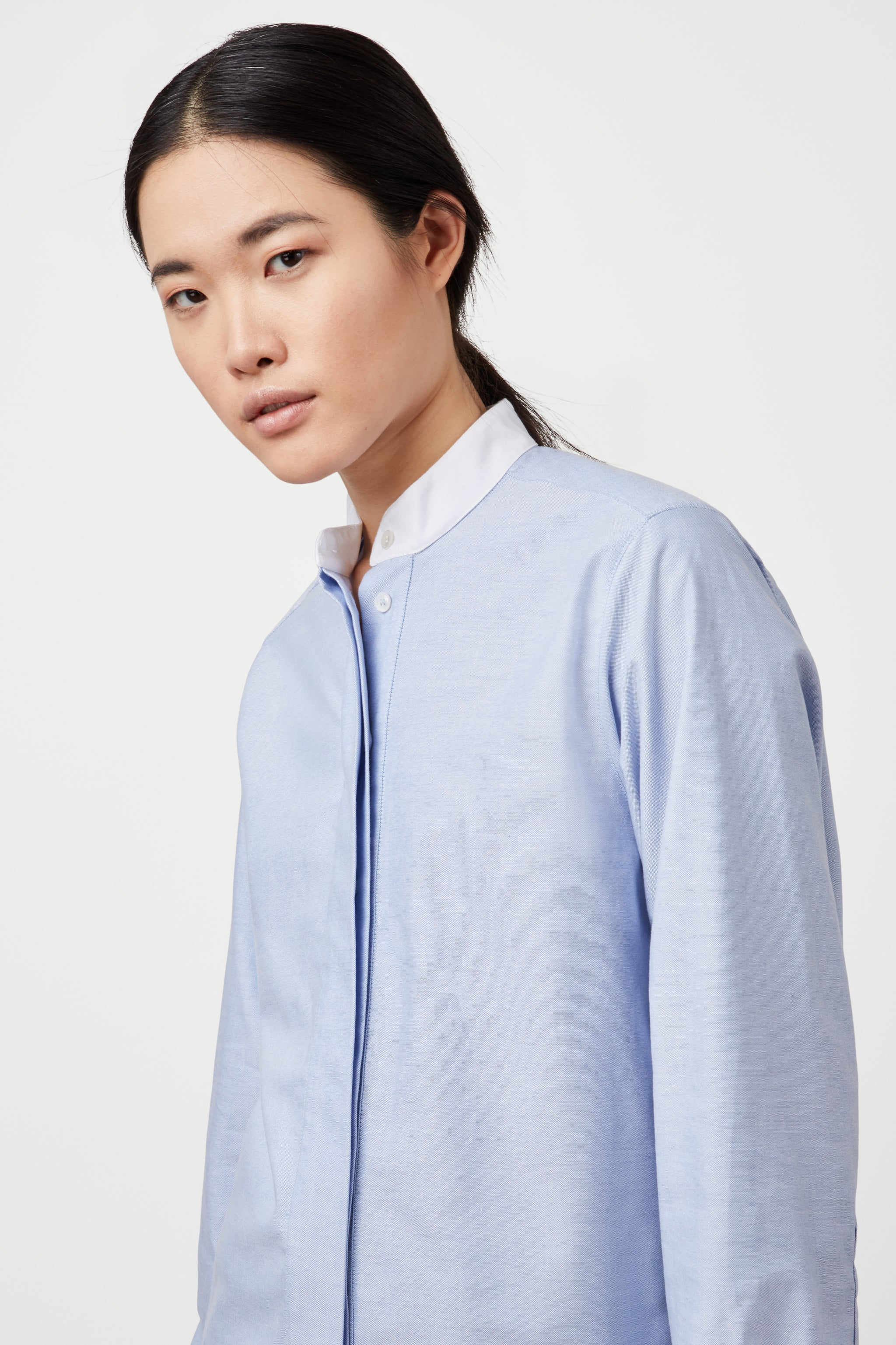The Collarless Shirt - Blue & White Cotton - SERENA BUTE