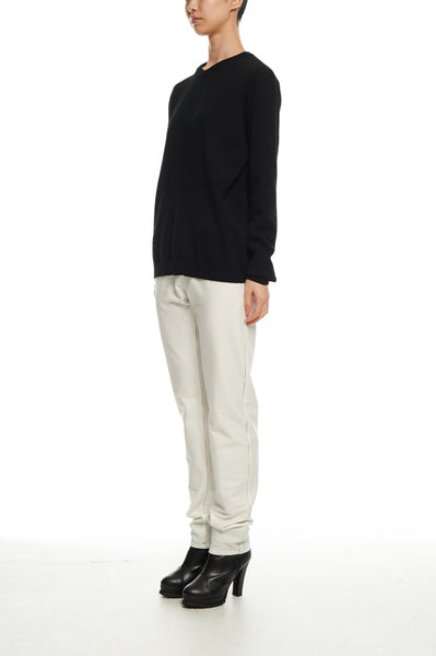 Andy Collection- 2.5D Square Detail Knitted V Neck Top- Black - Johan Ku Shop