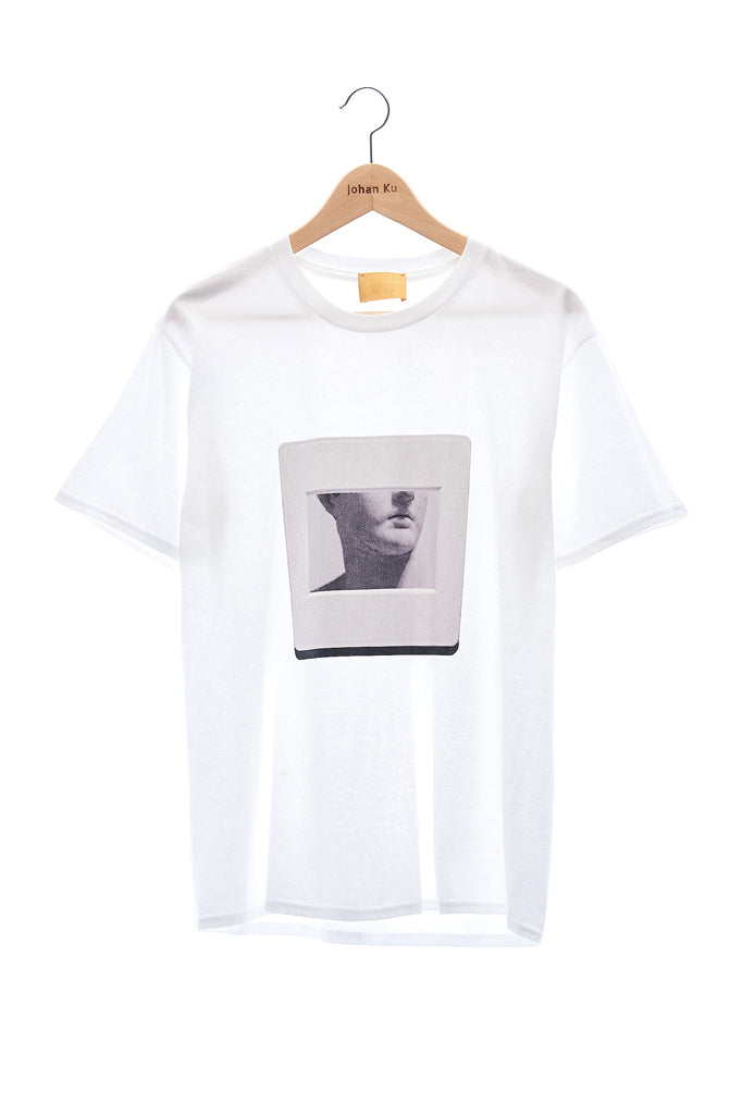 "Elioliver Collection- ""Sculpture in Slide"" Graphic T-Shirt - White - Johan Ku Shop"