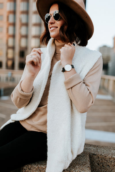 Cozy and a must-have, our oversized vest. Made of Alpaca fleece, perfect for layering over leggings or jeans for a put-together polished look that is effortlessly comfortable. Shown in Crema Small.