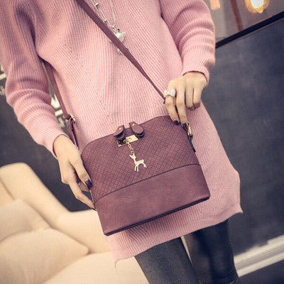 HOT SALE!2017 Women Messenger Bags Fashion Mini Bag With Deer Toy Shell Shape Bag Women Shoulder Bags