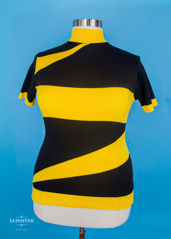 2XL / Black/ Goldenrod Yellow - Marvelous Bolt Sweater
