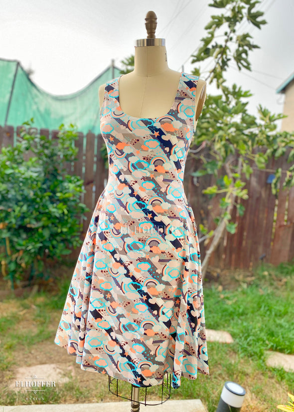 Retired Essential Knee Length Dress - Starpuff Print