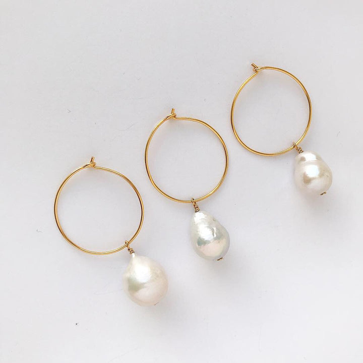 Small Baroque earring