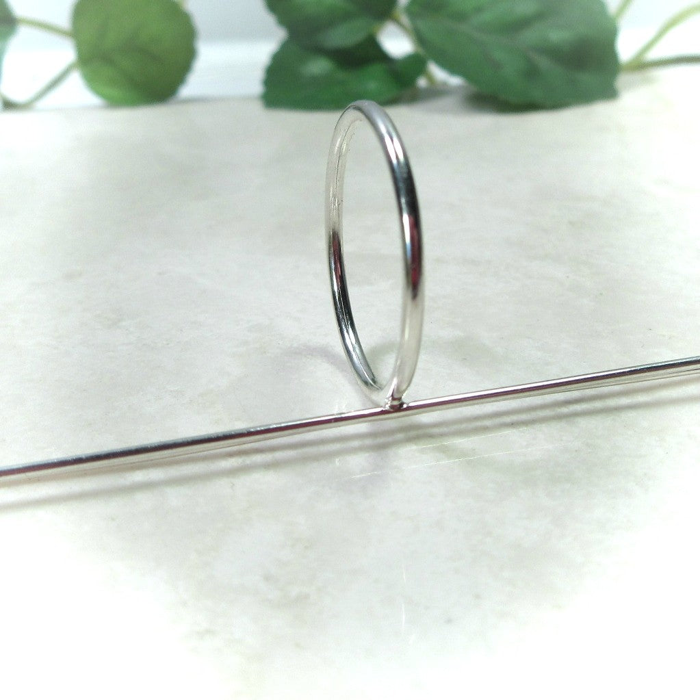 angeled view 2 mm plain long prong silver ring setting