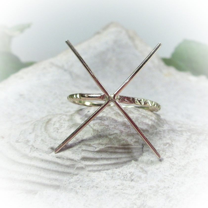 cross cut raw gemstone ring setting
