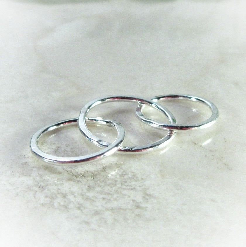 silver 10 mm circles connected