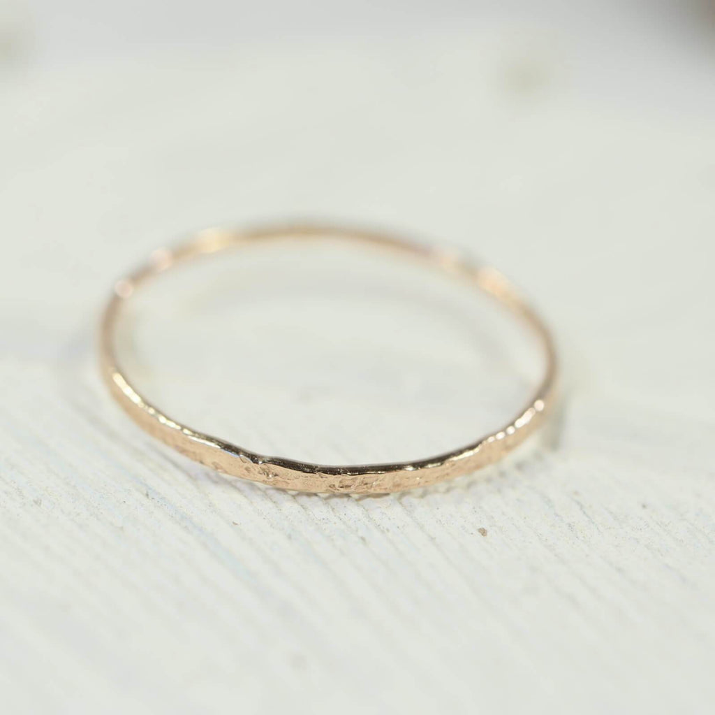 feathered thin band ring gold