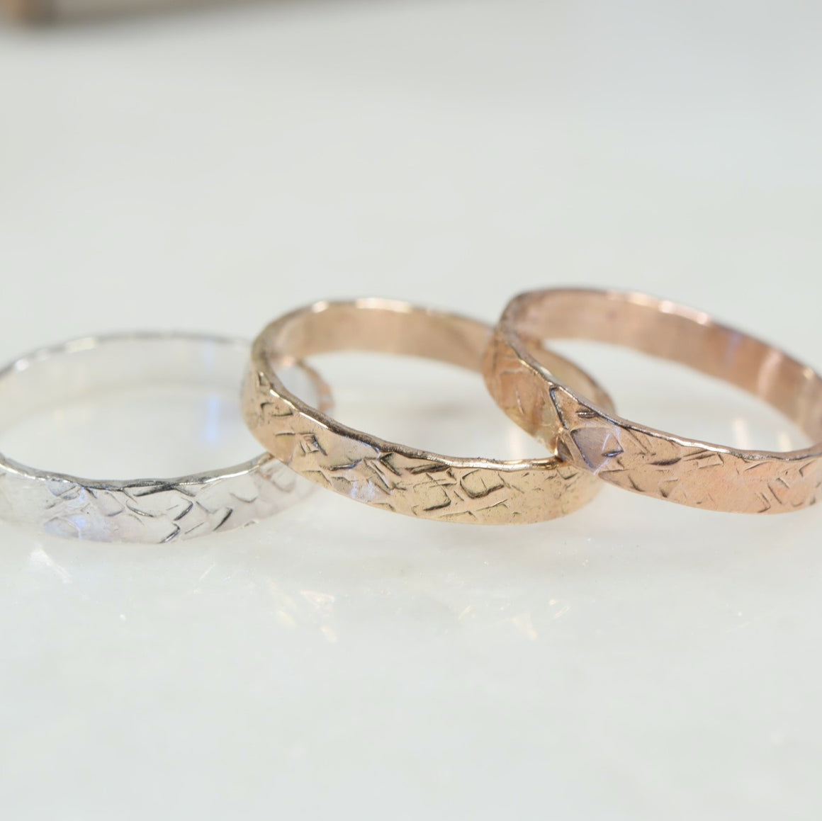 2mm chiseled stamping ring silver, gold, pink gold