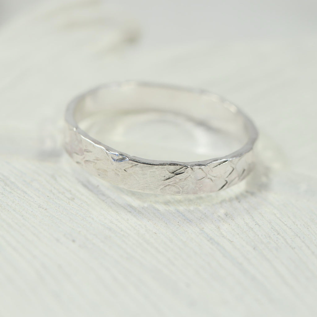 5mm chiseled stamping ring silver