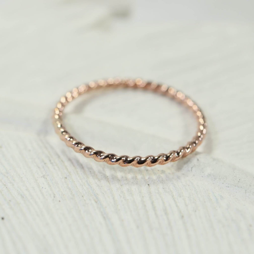 dot twist thin band ring pink gold