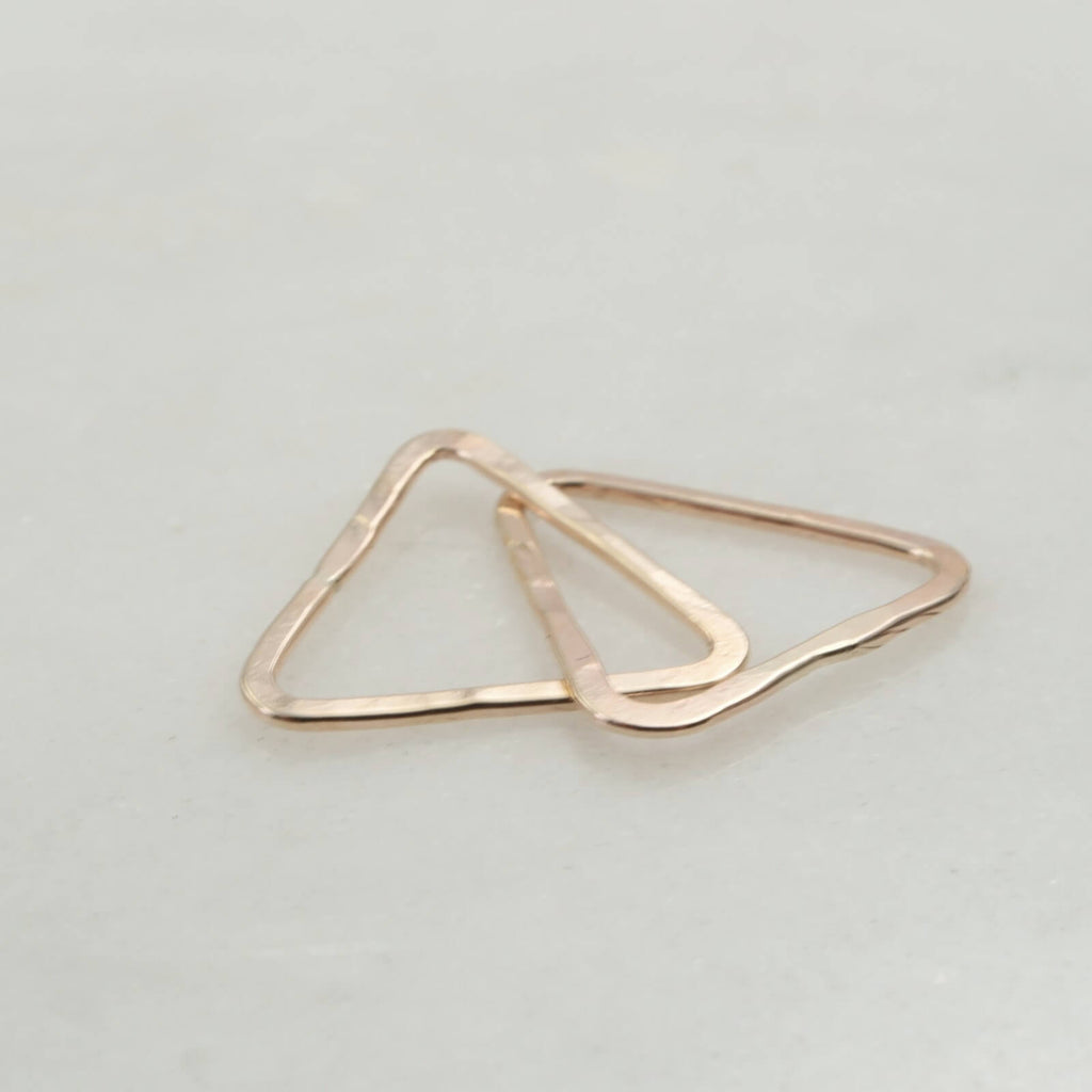 gold double links triangles
