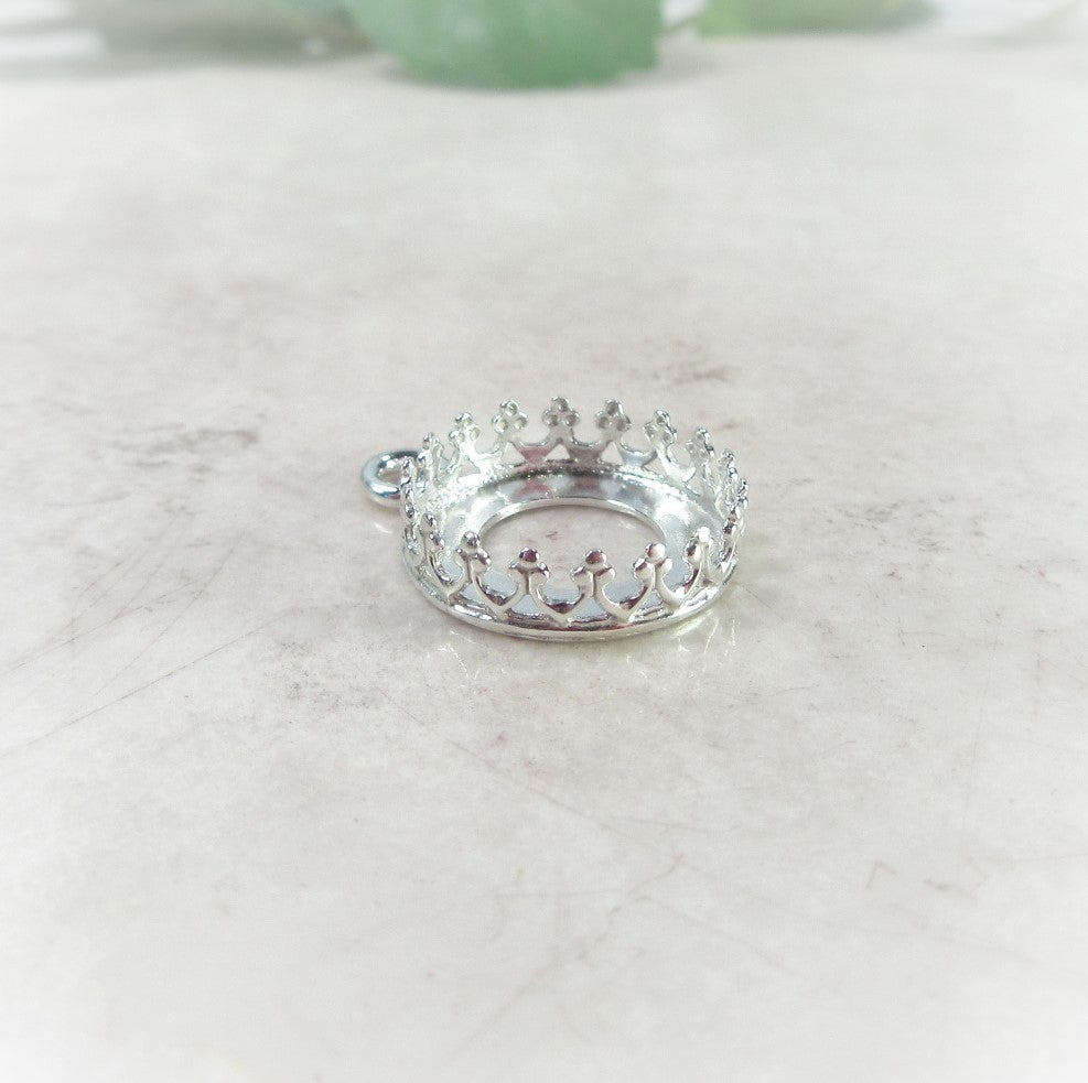 crown bezel cup setting in silver