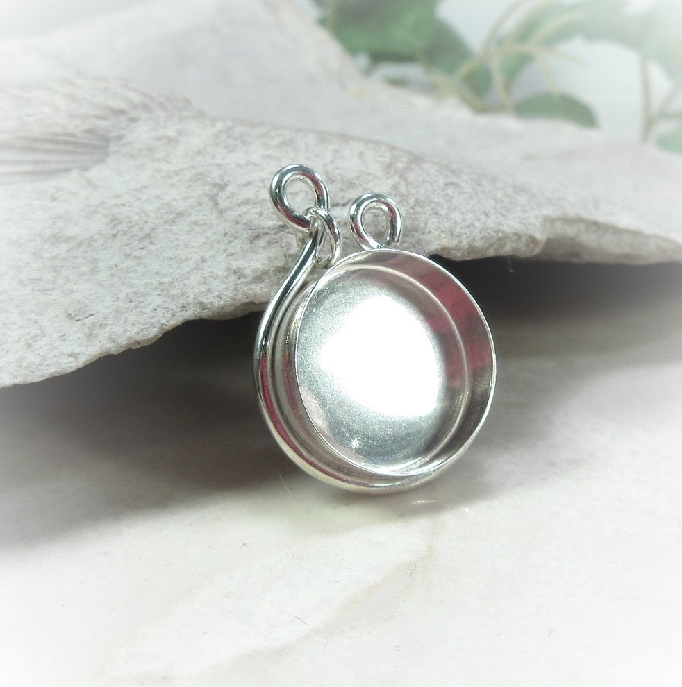tear drop pendant with bezel cup
