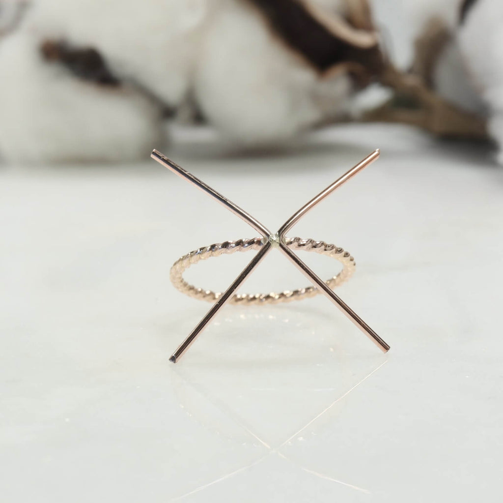 pink gold dot twist ring setting