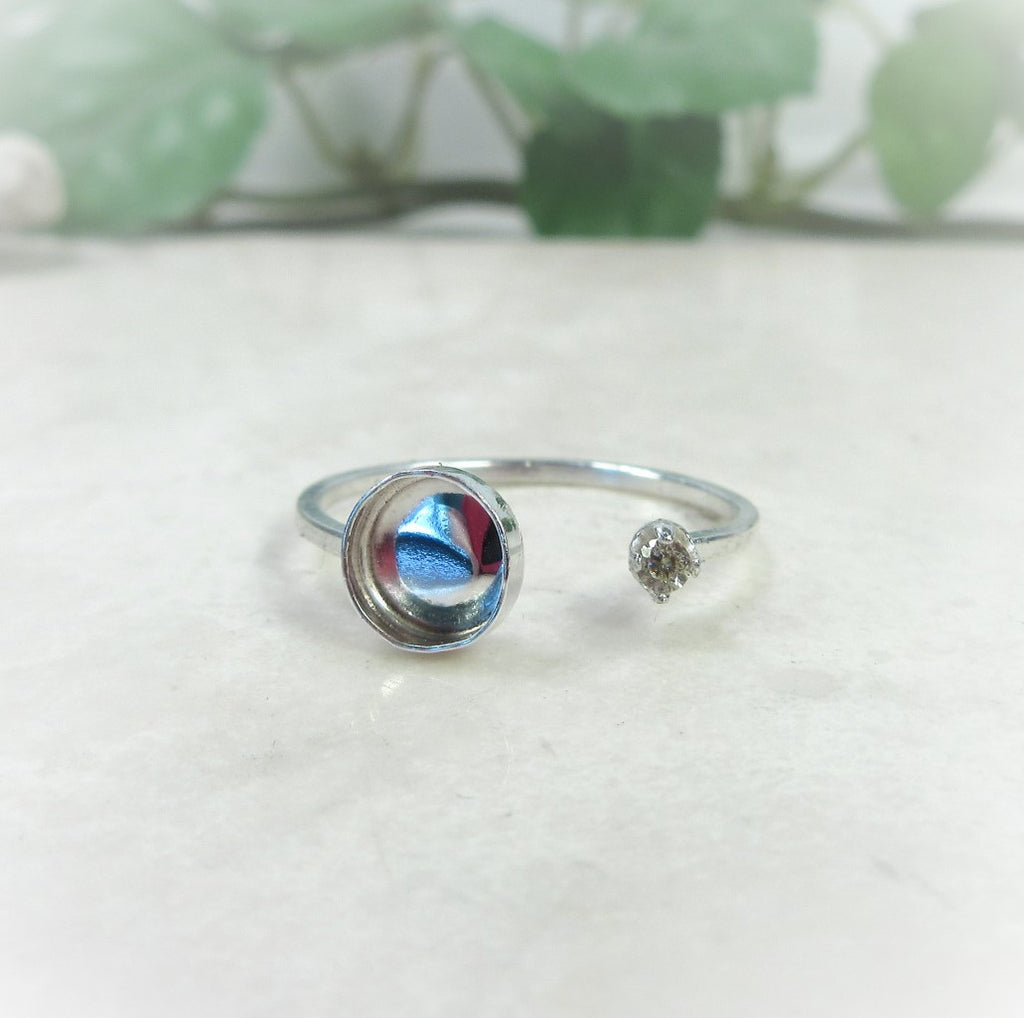 silver bezel cup ring setting