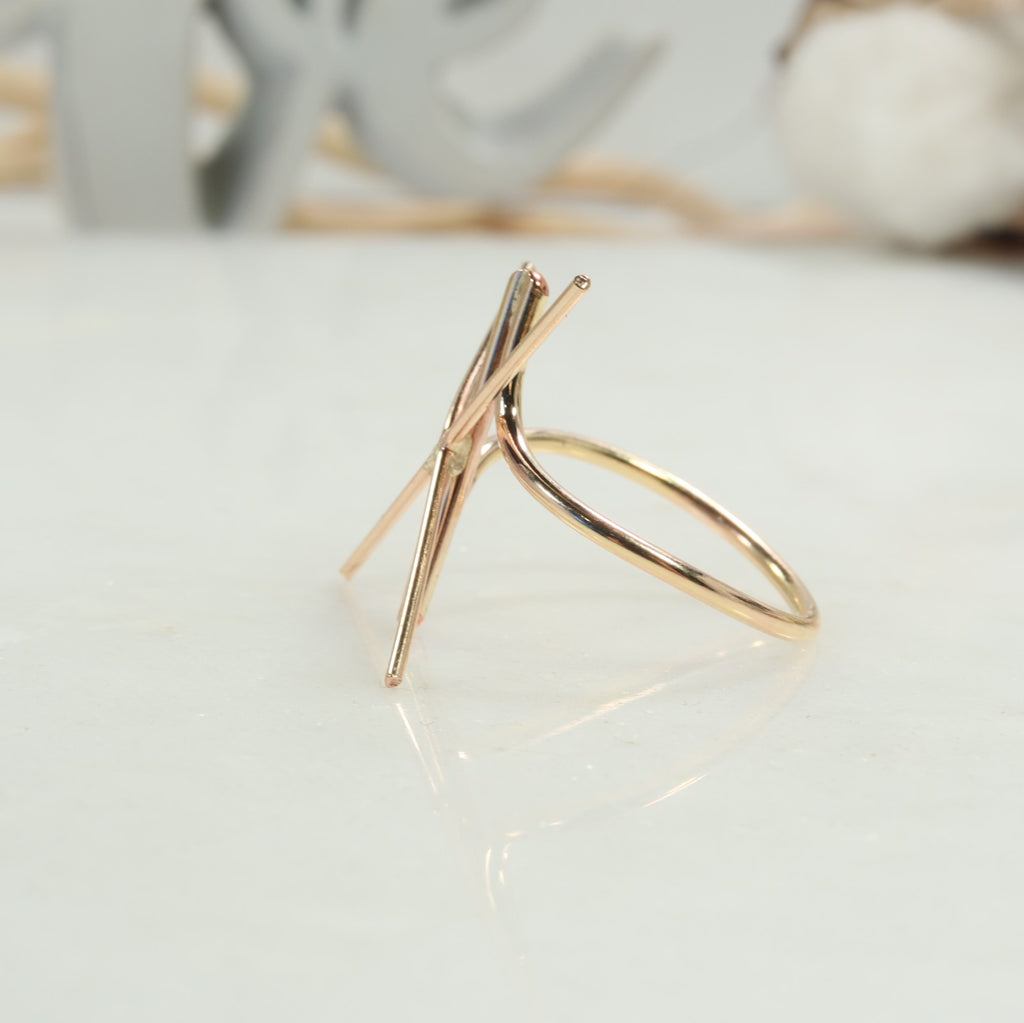 back view twist bar ring setting gold