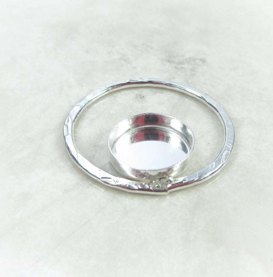 circle pendant with bezel for gemstones