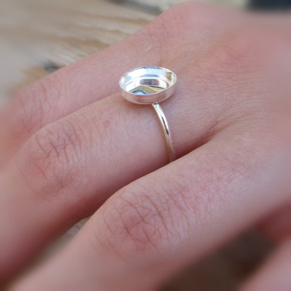 chiseled oval ring ring setting