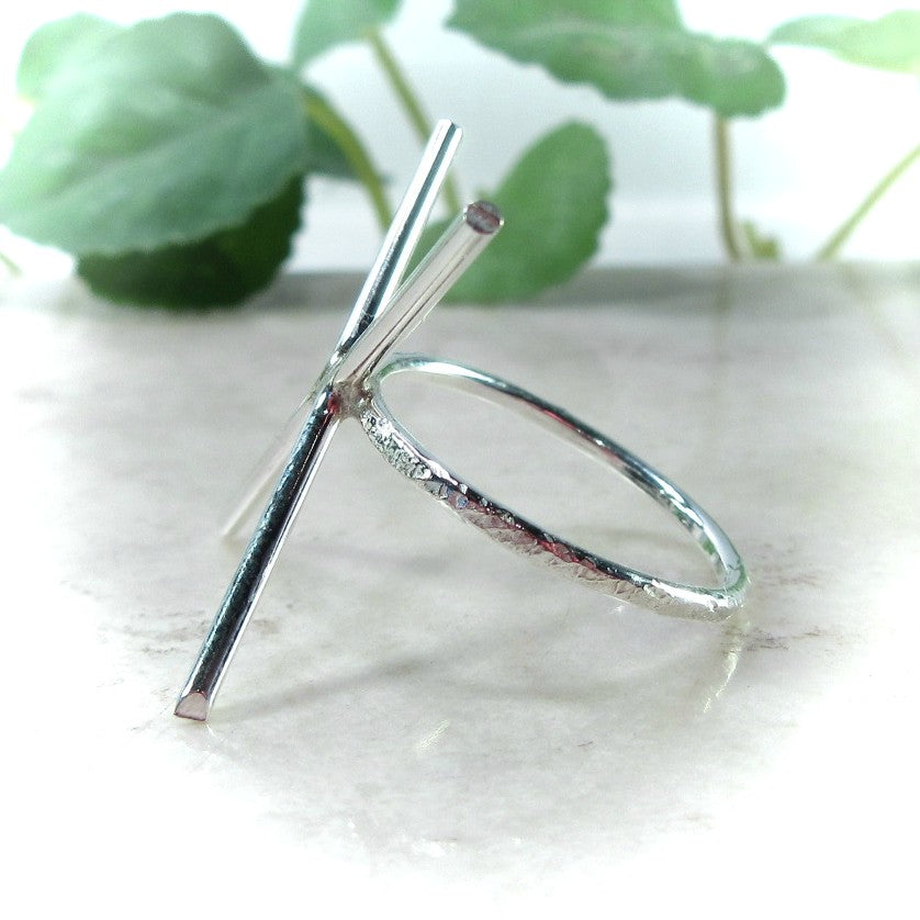 side view 2 mm feathered prong silver ring setting 4 prong