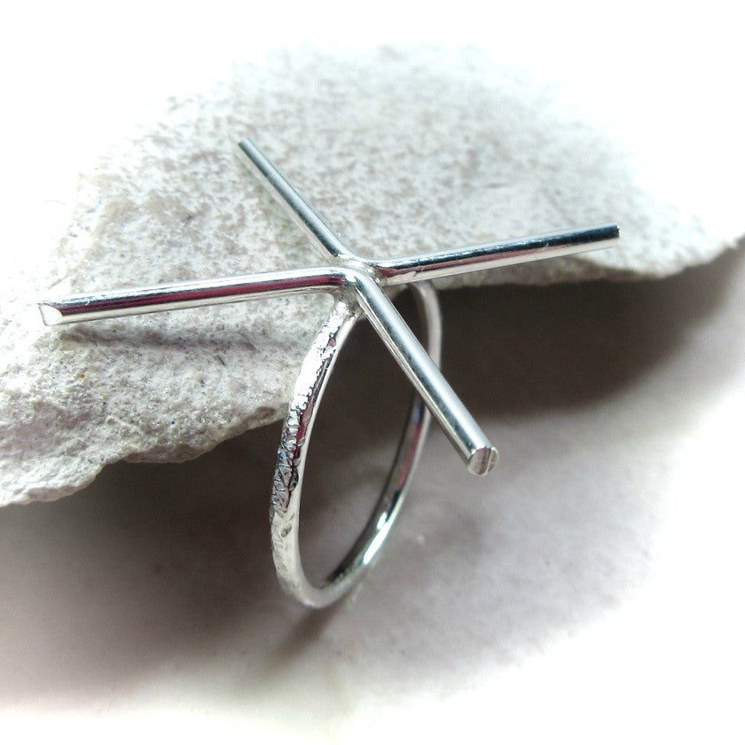 above view 2 mm feathered prong silver ring setting 4 prong