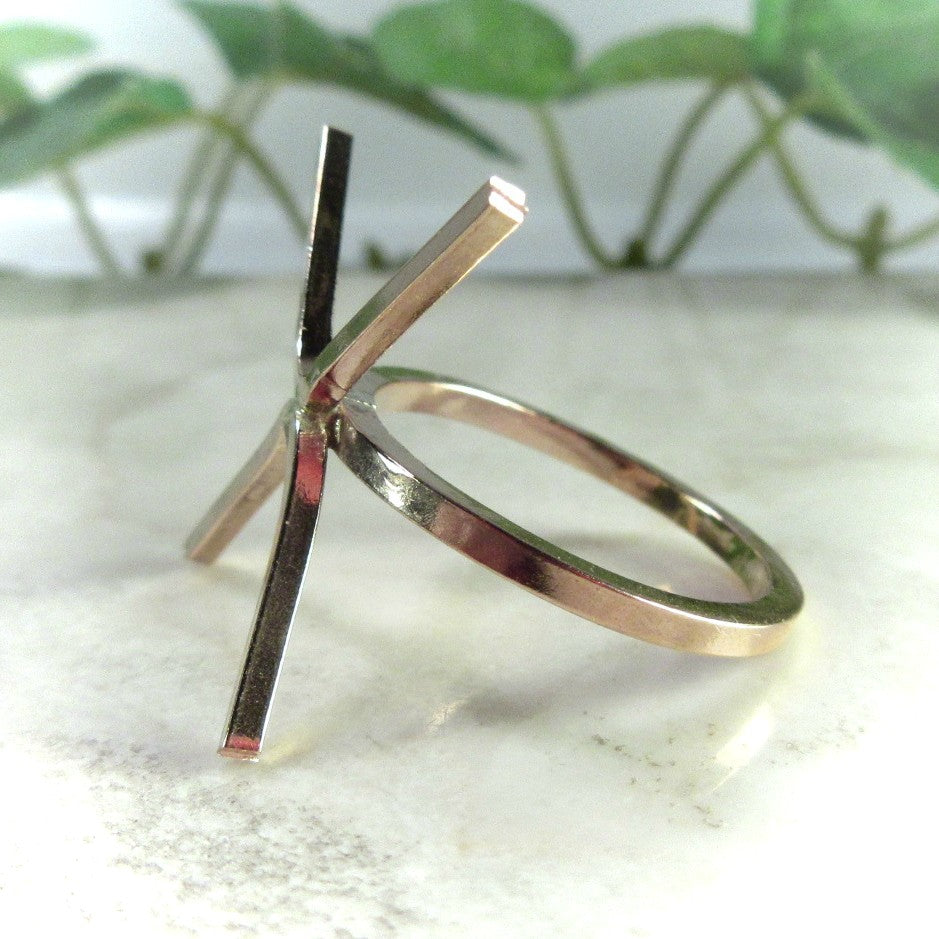 side view gold square ring setting