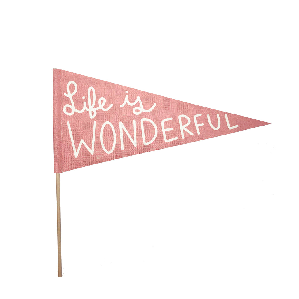 bannerlove Life Is Wonderful Pendant Banner