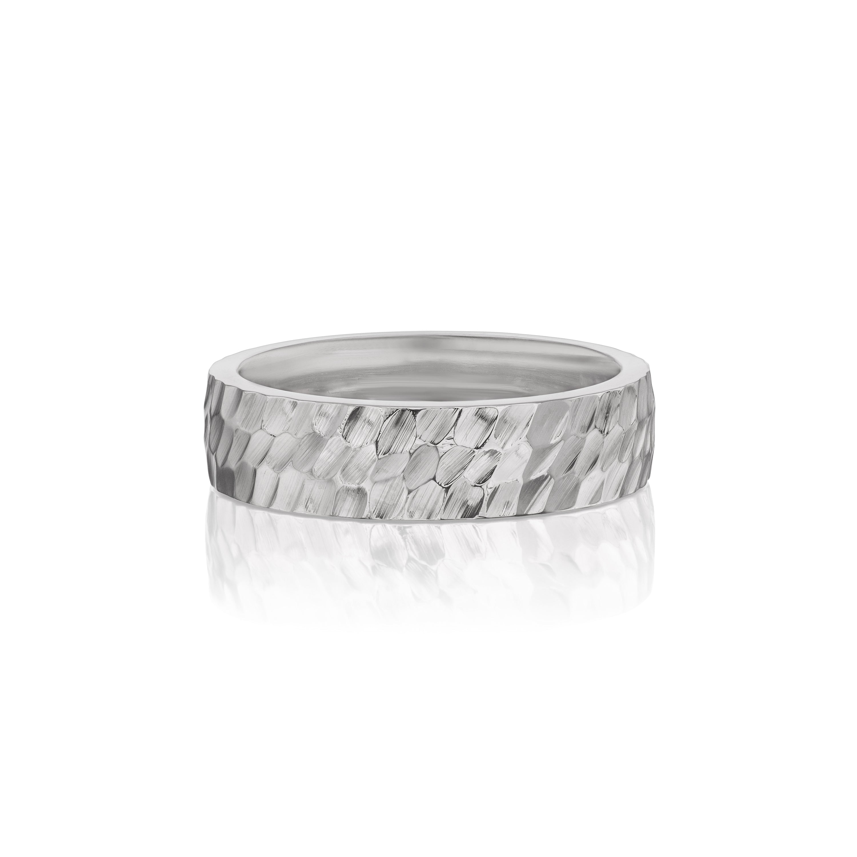 Classic Wide Hammered Band