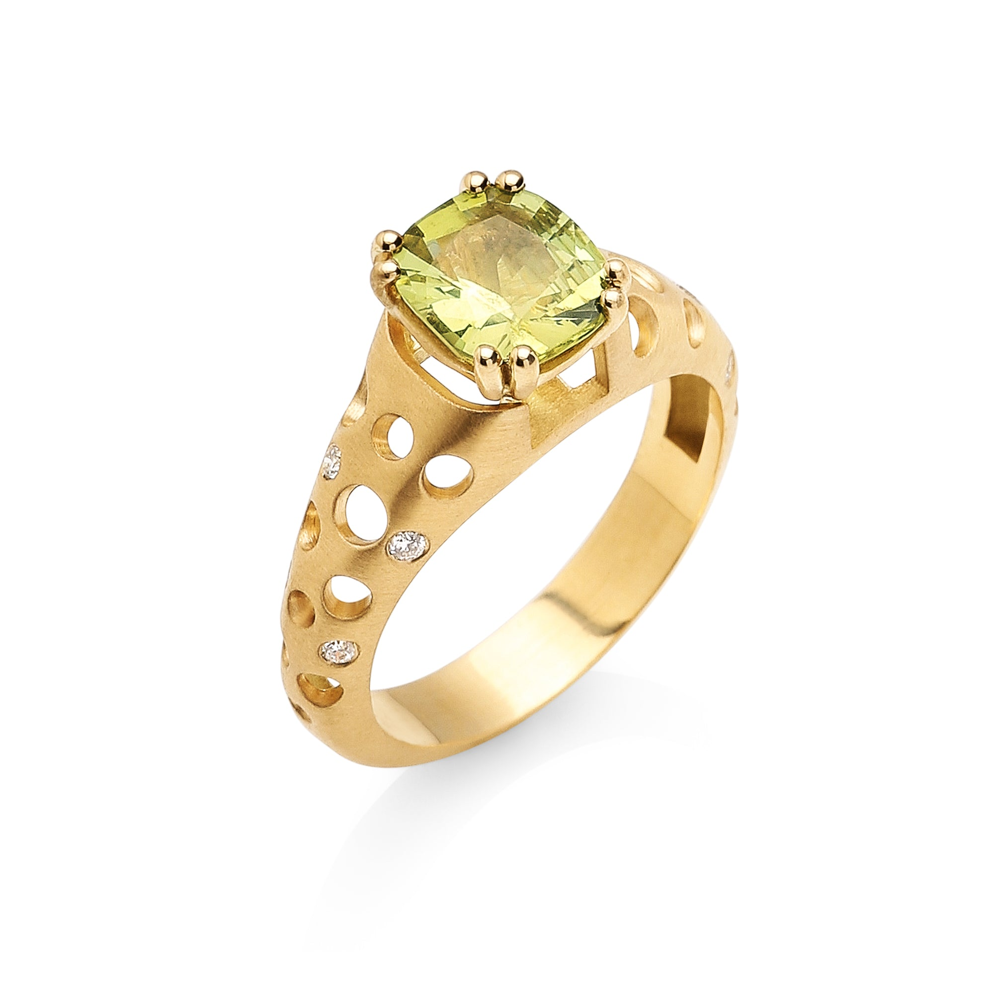 Yellow-Green Chrysoberyl Ring with Tapered Oculus Band