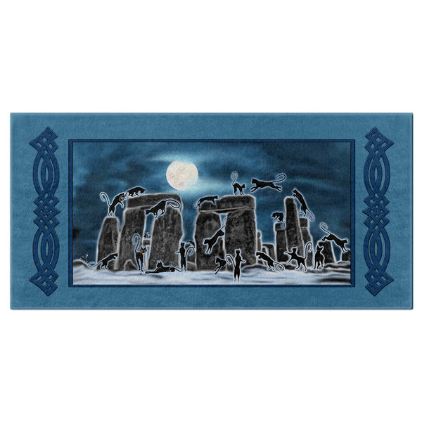 Bast Moon Over Stonehenge with Knotwork Bracket Bath Towel