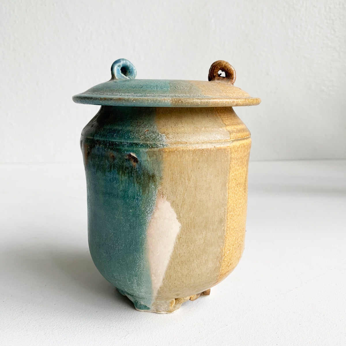 Vintage Ceramic Canister with Lid **LOCAL PICKUP OR DELIVERY ONLY**