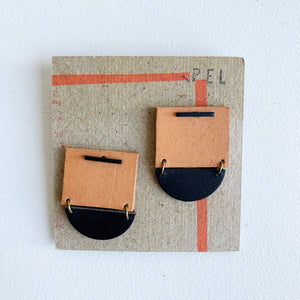 'PEL' Earrings: Short Black & Tan