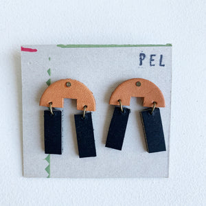 'PEL' Earrings: Short Black & Tan Arches