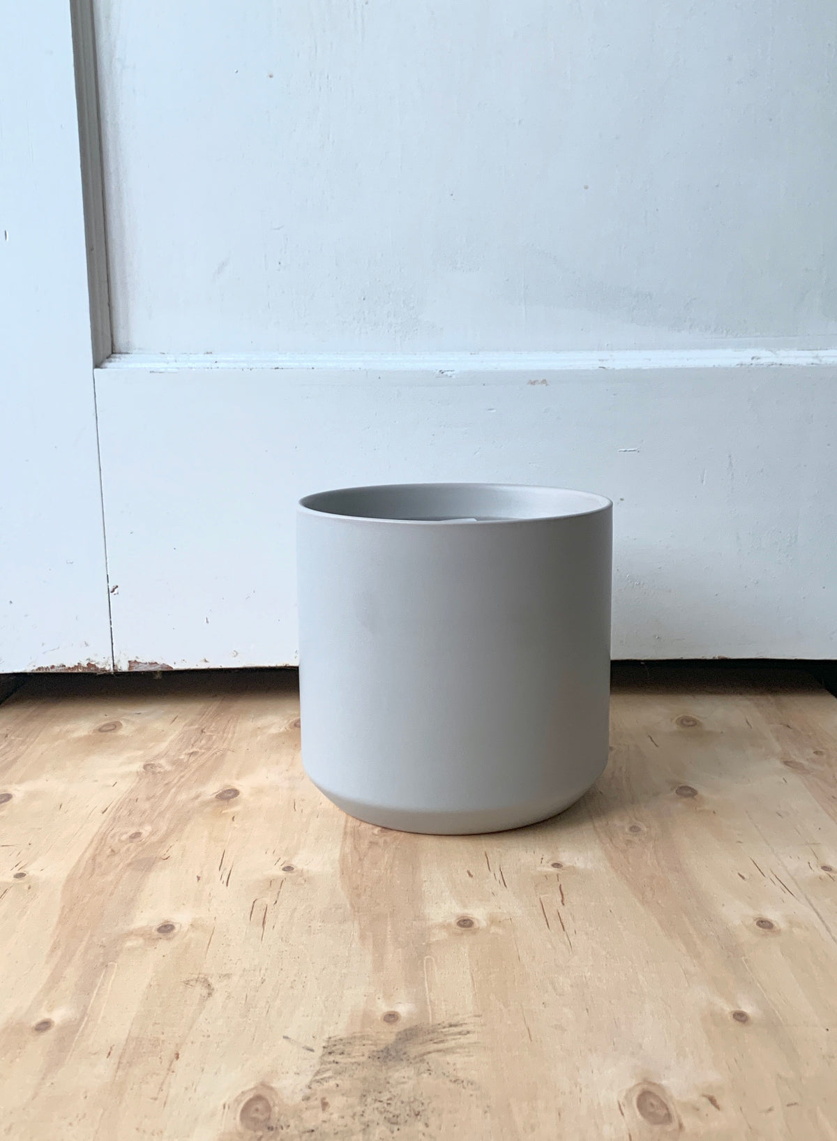 "7"" Pot/Planter-Matte Grey Cylinder"