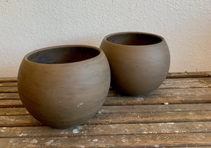 "Medium Ceramic Orb Pot 5.5"" LOCAL delivery or pick-up only"