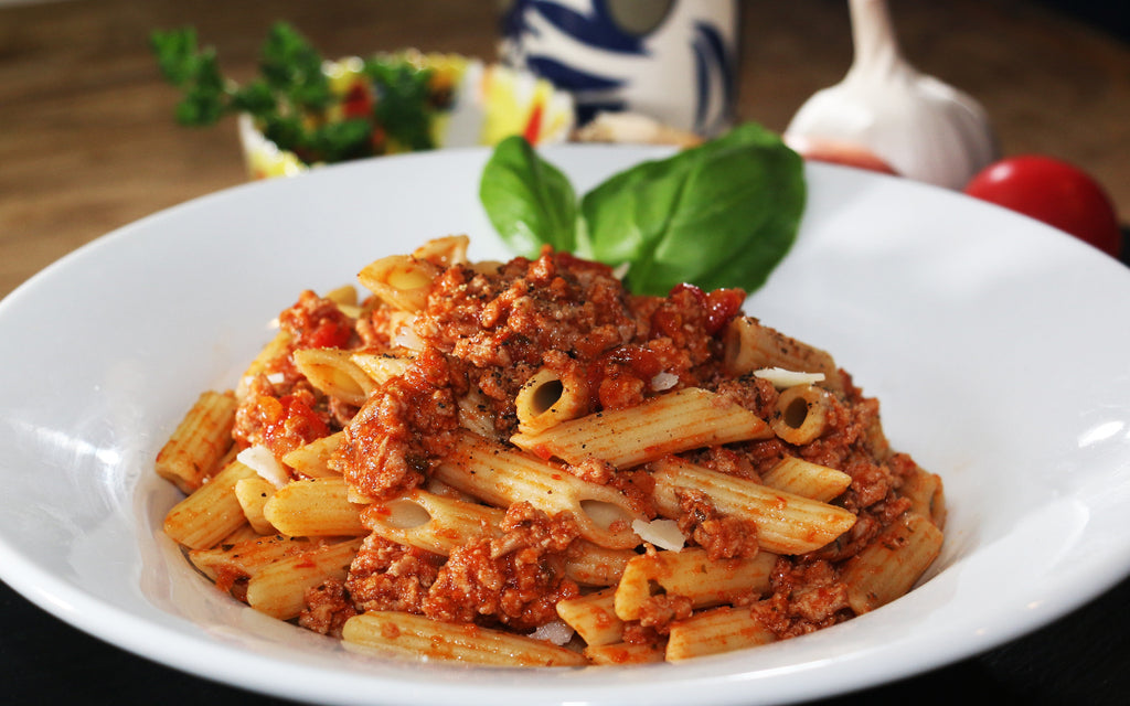 Low Fat Turkey Bolognaise FiberPasta Penne non-Vegan Healthy for a Low Carb Low Glycemic Diet