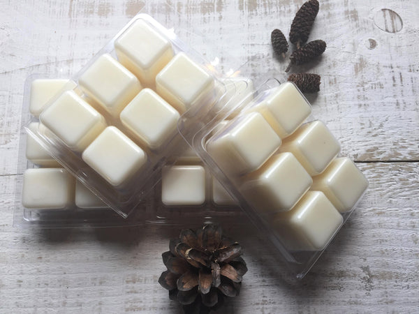 4 clam shell packs of soy and beeswax melts