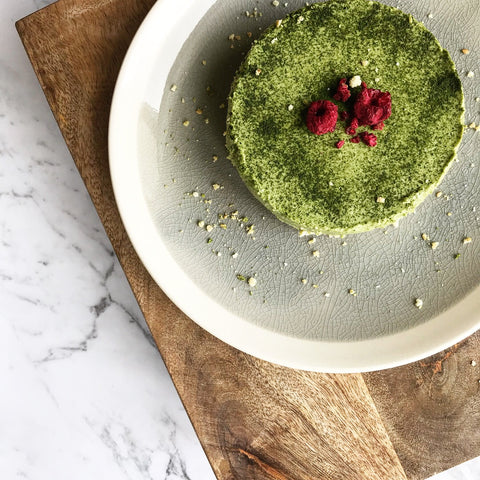 Easy Raw Matcha Cheesecake