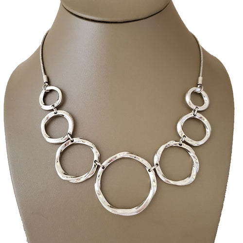 Hammered Rings Rhodium Plated Necklace - The Pearl & Stone Jewelry