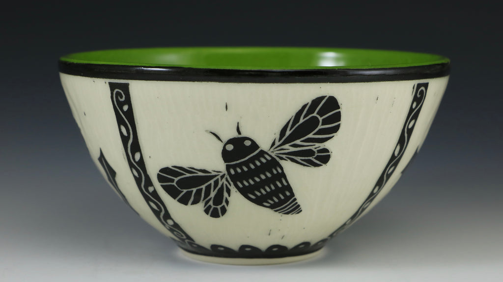 Flora+fauna bowl - bee