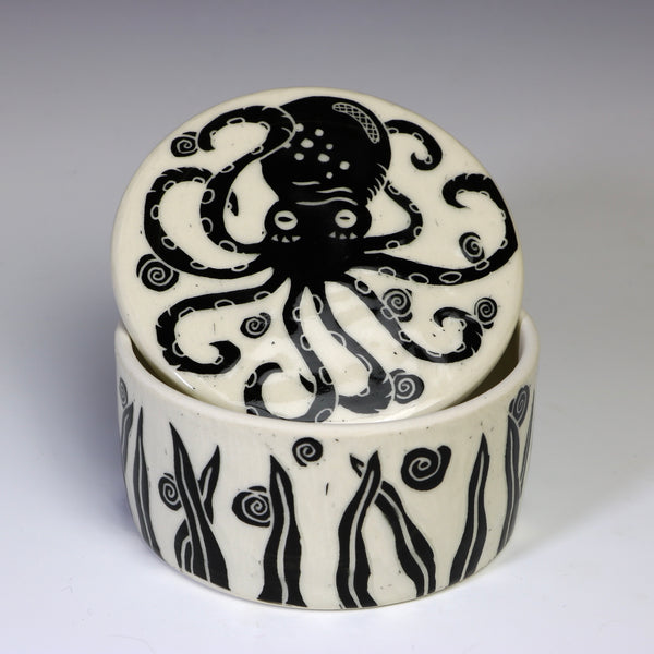 Lidded jar - Octopus