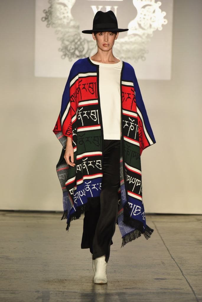 YARKNORBU Knit Cape
