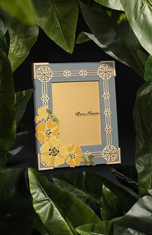 Akar Bilaran Photo Frame