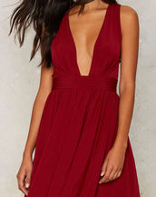 Acrossing belt deep V collar darkred skirt