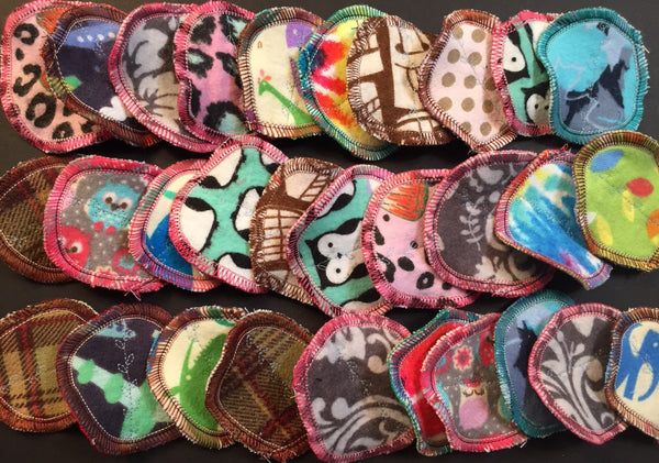 MamaBear Organic Bamboo Fleece Rounds, Reusable Cotton Balls, Facial Rounds - Baker's Dozen
