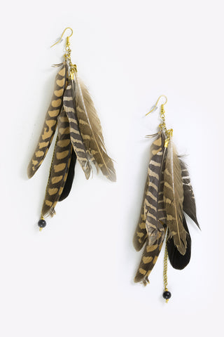Kuna - Feather & Chain Drop Earrings Full Image